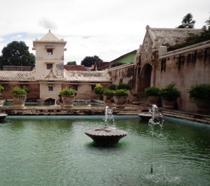 Menyibak Pesona Istana Menawan Di Taman Sari Yogyakarta