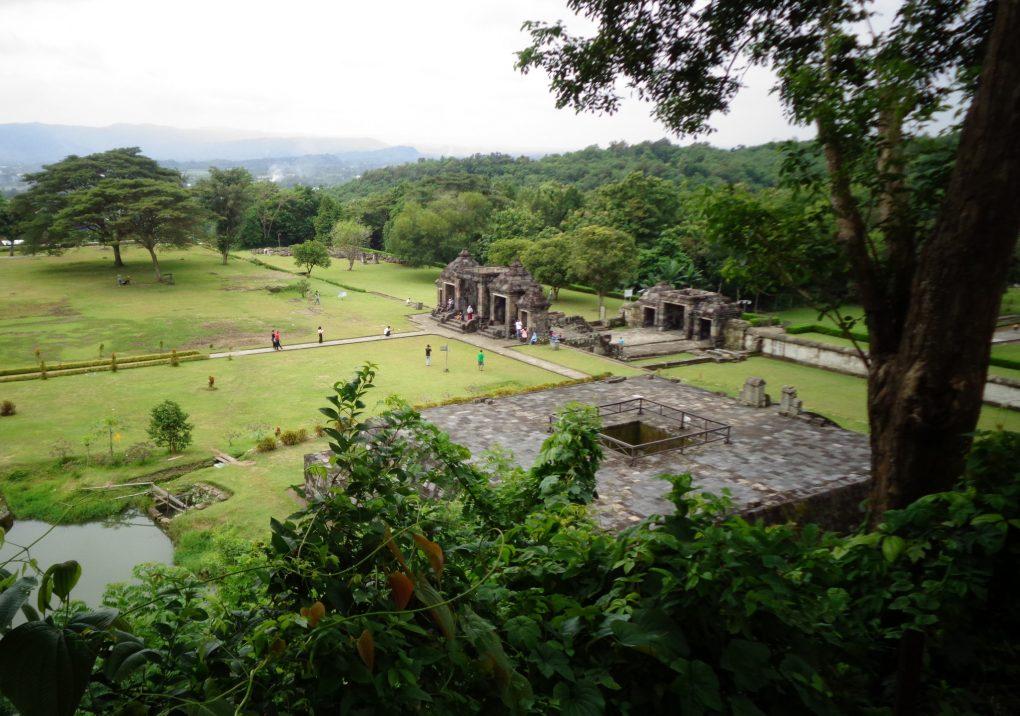 tempat wisata istana ratu boko