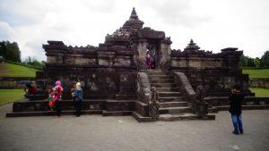 wisata candi sambisari Yogyakarta